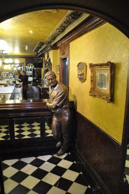 Hemingway_Bar_Cafe_Iruña_Pamplona