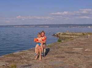 Entspannte Urlaubsstimmung: am See, baden und picknicken