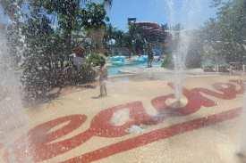 Wasser marsch! Spaß im riesigen Wasserpark