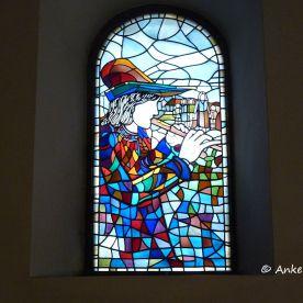 Das Rattenfänger-Fenster in der St. Nicolaikirche