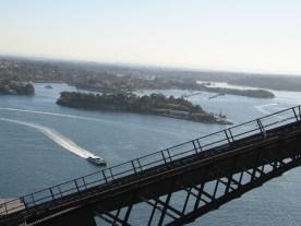 Sydneys Hafenlandschaft ist weitläufig mit vielen Buchten und Inselchen