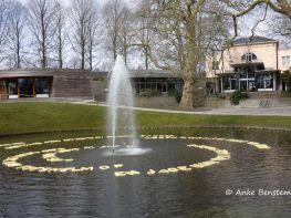 Buchstabensuppe mit Springbrunnen