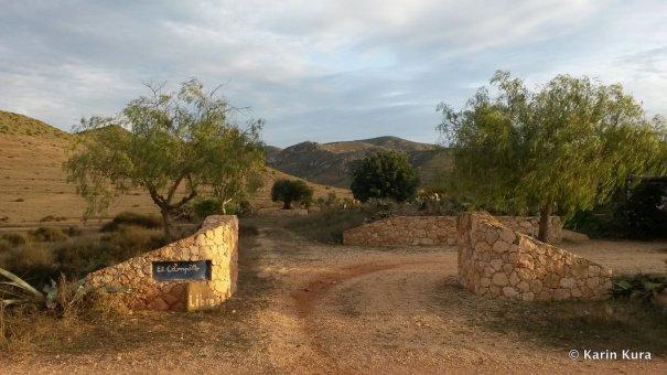 Eingang Gästehaus El Campillo. Kura_preview