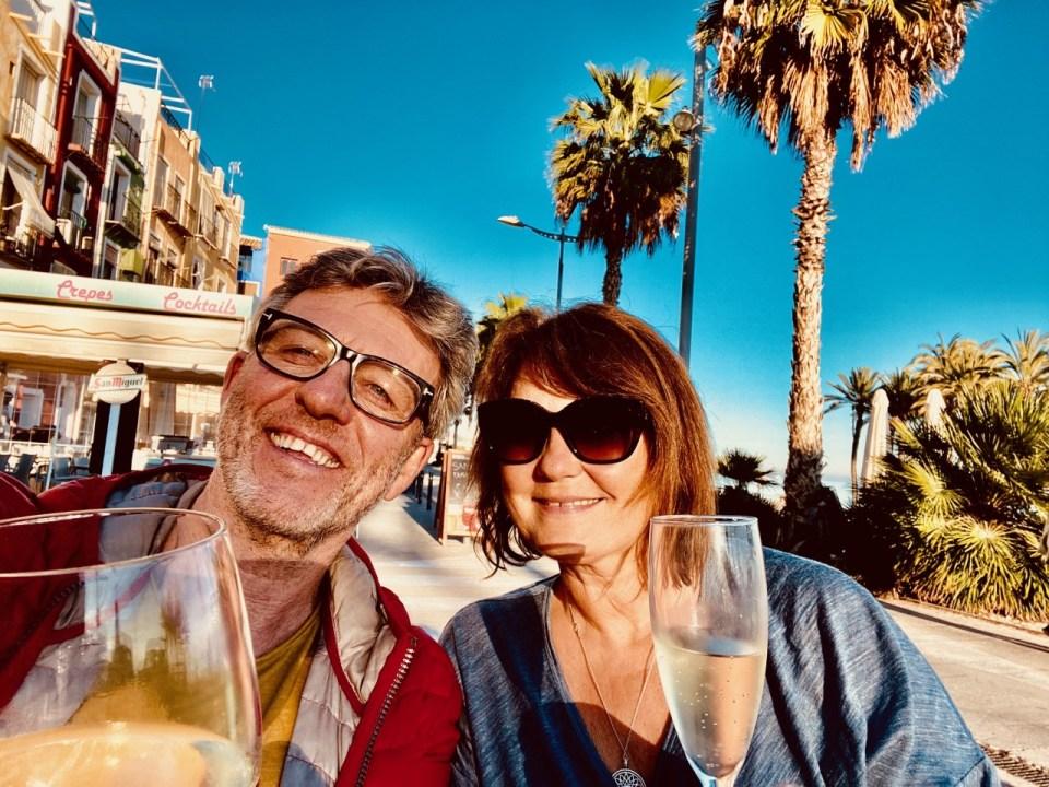 Villajoysa vin på strandpromenaden
