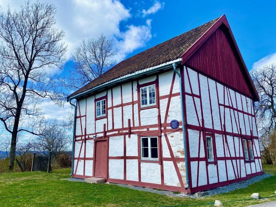 Tveten gård utmurt hus