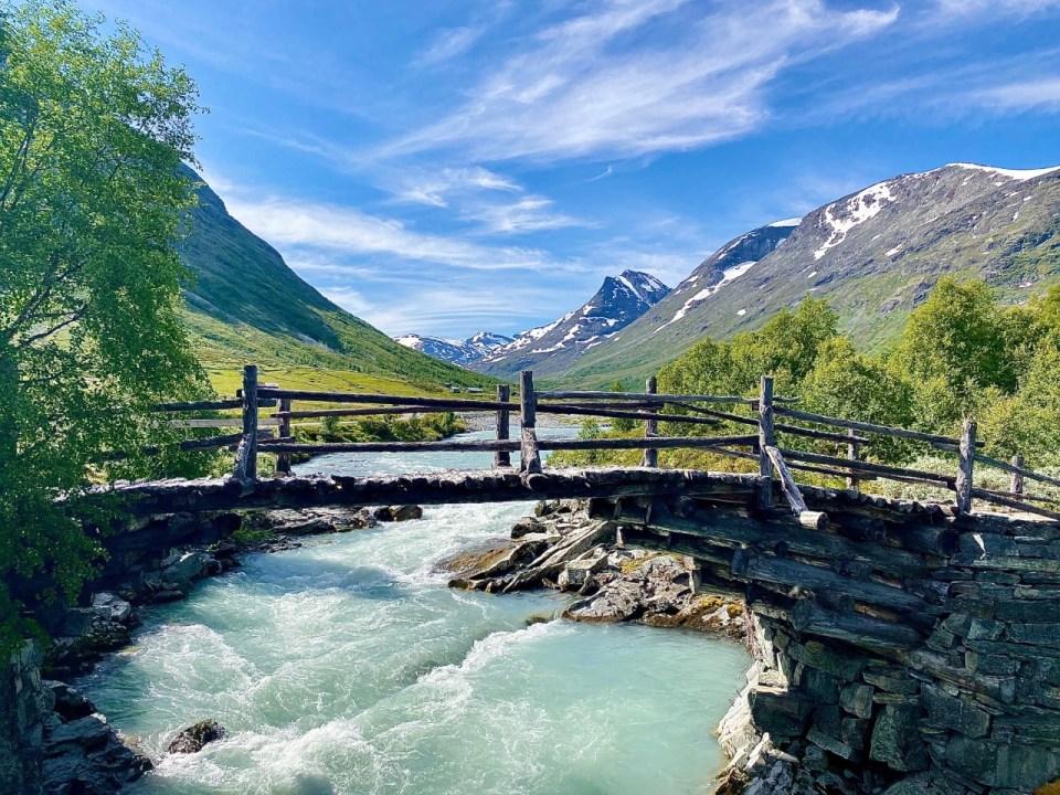 SOgnefjellsveien bro over elv