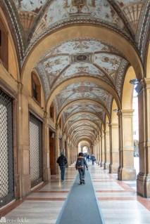 Vakker søylegang i Bologna