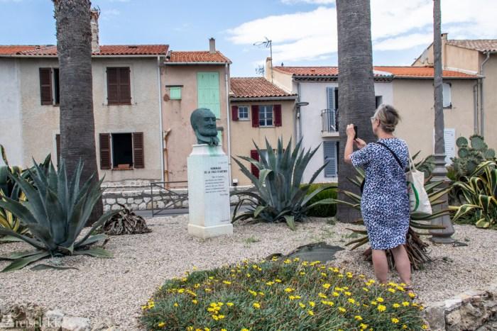 Victor Hugo statue i Antibes