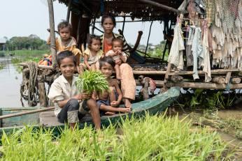 De flytende kjøkkenhager i Kambodsja