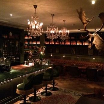 Bar- og resepsjonsområde på Hotel Pigalle