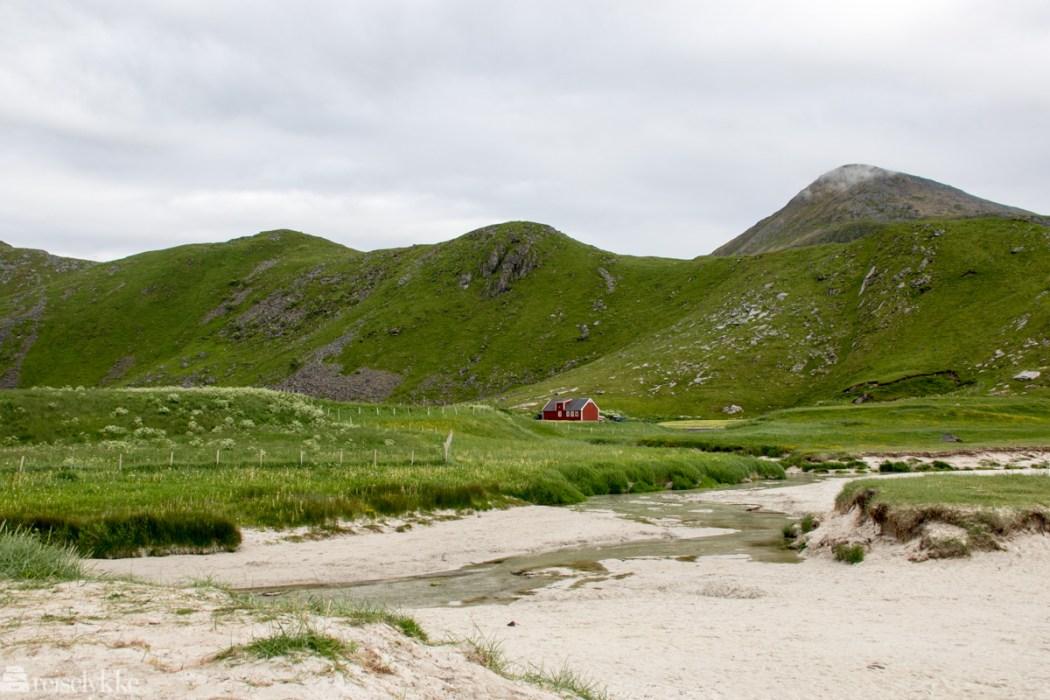 Idyll i Lofoten, Haukeland strand