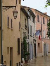 Koselig landsby nær St. Tropez_