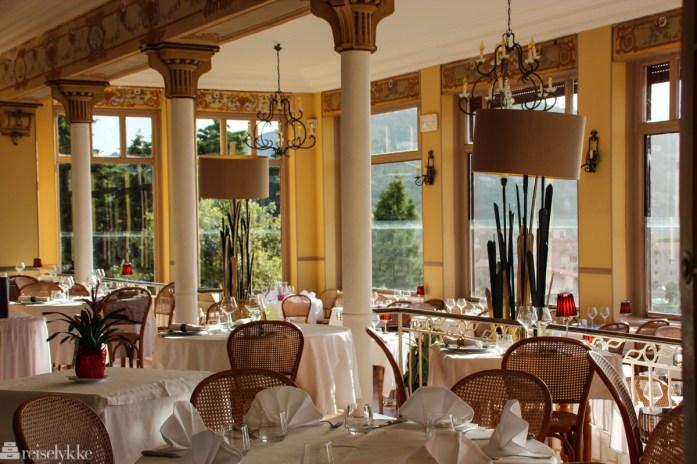 Les Roches Rouges restaurant