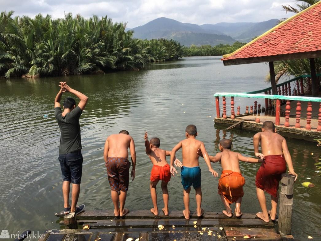 Munker bader i Kampot