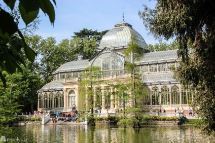 Palacio de Cristal i Buen Retiro parken i Madrid