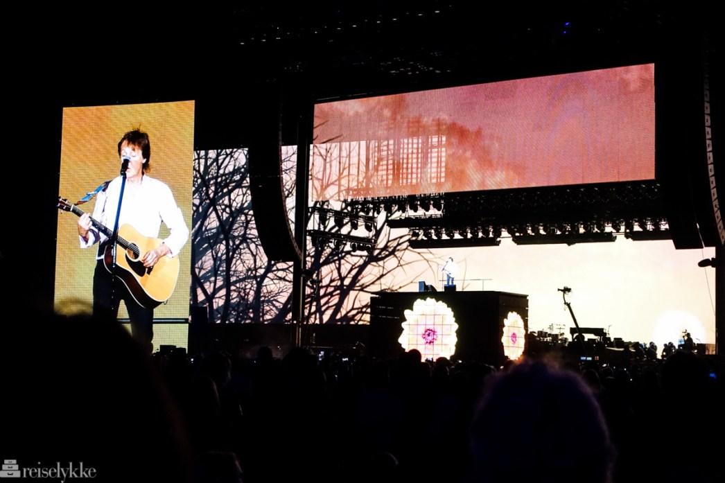 Paul McCartney under Desert Trip