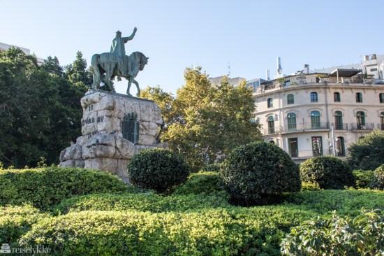 Statue av Kong Jaime Jaume Primero of Aragon på hest ved Placa Espanya Palma de Mallorca