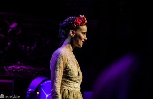 Suliane Brahim som Shakespeares Juliette, Paris