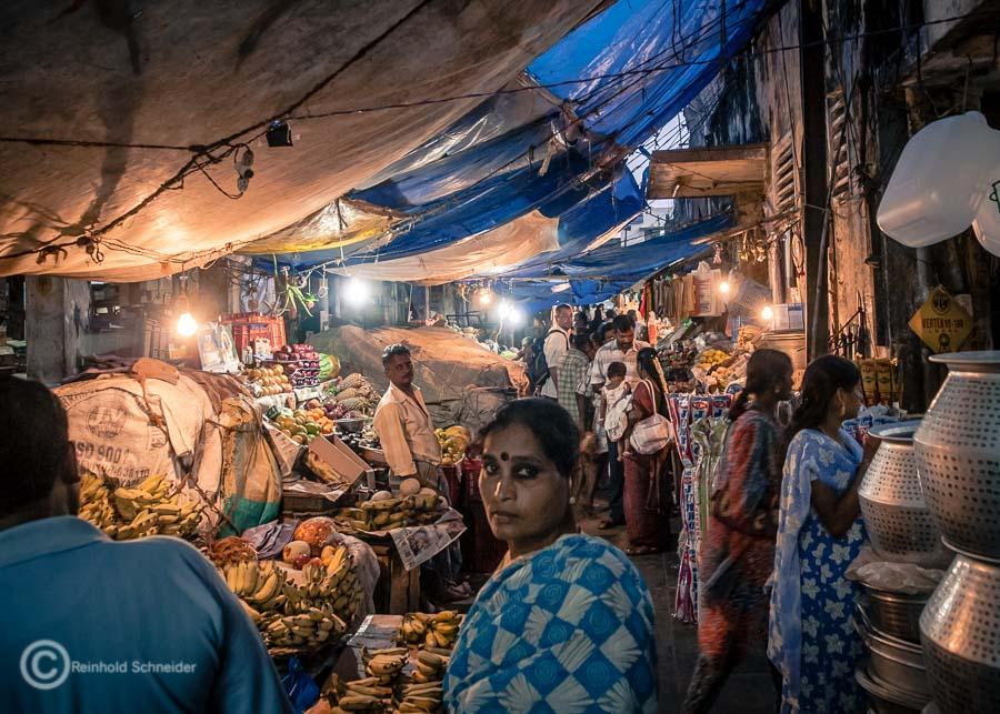 Auf dem Nachtmarkt in Puducherry