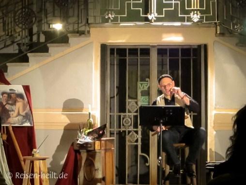 Eyal Lerner spielt die Flauto dolce, die süße (Block-)Flöte, meisterhaft und kann wunderbar erzählen, auch wenn man Italienisch kaum versteht.