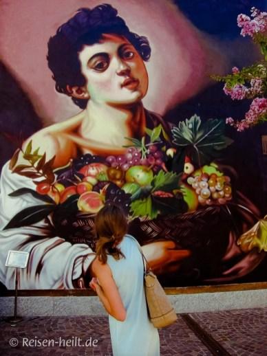 """""""Fanciullo di Angera"""" nach dem Gemälde """"Fanciullo con canestro di frutta"""" (Junge mit Früchtekorb) von Caravaggio, um 1593/94."""
