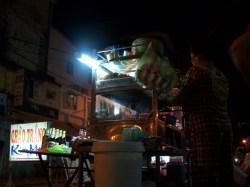 Der Essensstand auf dem Markt von Vinh Long