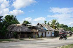 Straße in Lagunas mit dem Haus von Juan