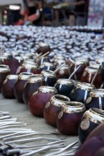 Mate-Gefäße auf dem Flohmarkt in San Telmo, Buenos Aires