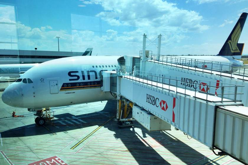 Singapore Airlines A380 am Gate im Melbourne Airport