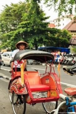 Mit der Fahrrad-Rikscha Yogyakarta erkunden