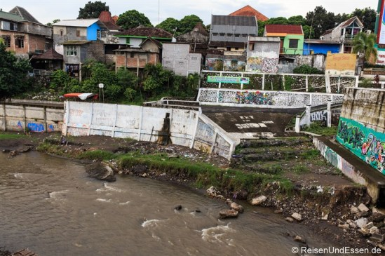 Häuser am Kali Code River in Yogyakarta