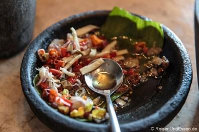 Pikanter Salat beim Frühstück im Hotel Santika Premiere Gubeng Surabaya