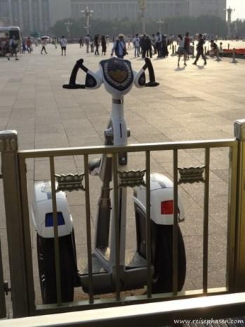 Polizei Segway mit Sitz und Blaulicht