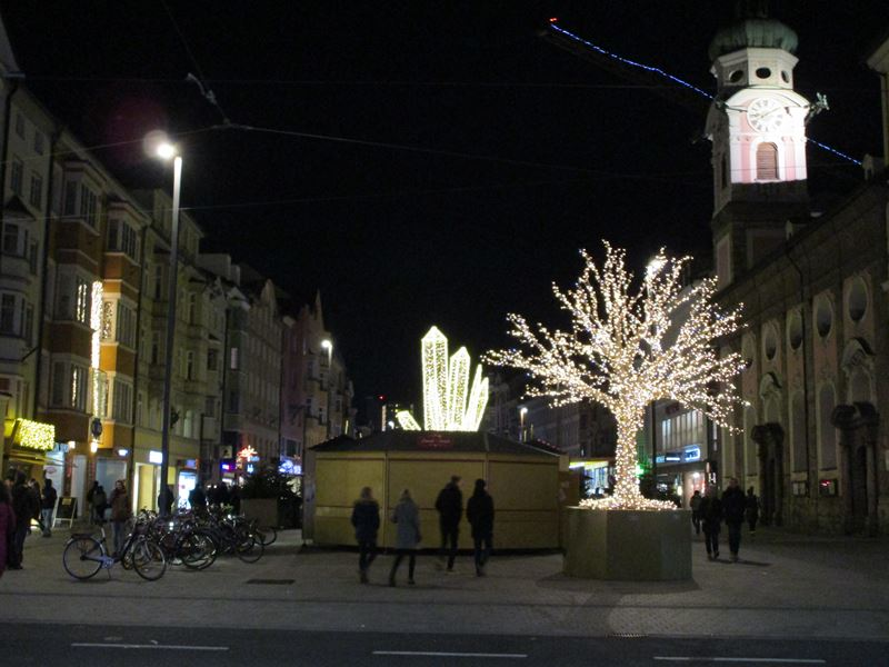 Christkindlmarkt in der Maria-Theresia-Straße