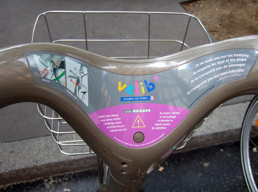 """Reisreporter Marc test uit: """"De Vélib-fietsen ogen wat log, maar rijden aangenaam."""" © John Spooner via Flickr Creative Commons"""