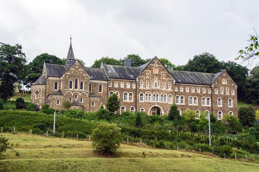 Het klooster van Cinqfontaines © Annelies De Bleeker