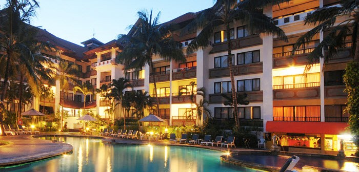 ZONNIG BALI €607 voor 10 dagen 3*All Seasons Legian Bali (8.5) – €699 voor 10 dagen 3* Puri Bamboo Hotel (8.3) –