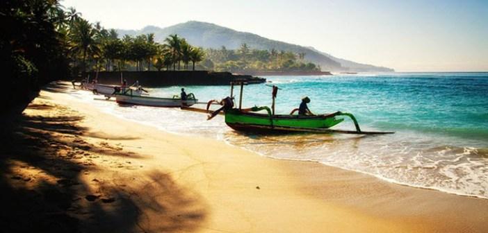 ZONNIG BALI Maart €599 voor 10 dagen 3* Bakung Beach Resort (7.4) – JUNI €615 voor 10 dagen 3* Al Seasons Legian Bali(8.4)