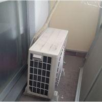 エアコンの室外機 マンションのベランダが狭いときの設置場所と取り付け方
