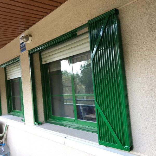 Instalación 3 rejas de ballesta verdes en Montcada i Reixac (Vecino 2) (1)