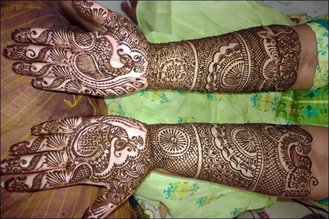Henna Tangan Motif Peacock King