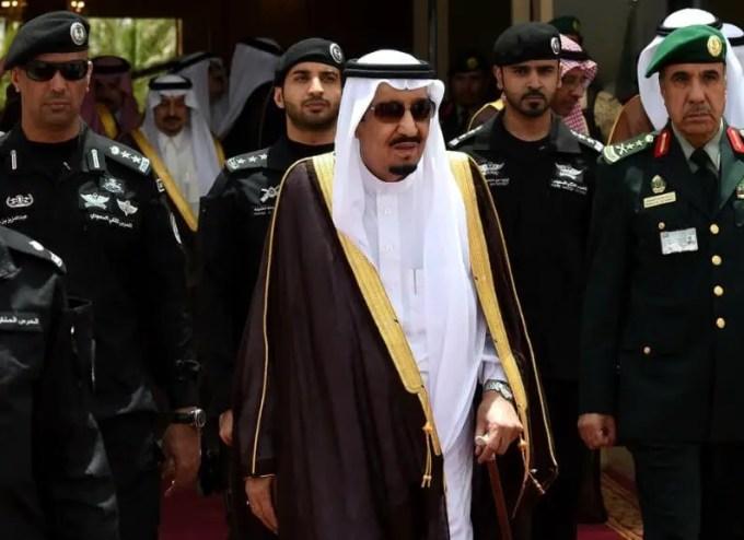 raja salman menghukum pangeran saudi