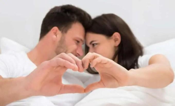 Komunikasi dengan Pasangan Saat Berhubungan