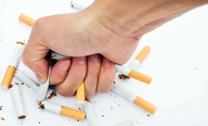 Hindari konsumsi alkohol dan rokok