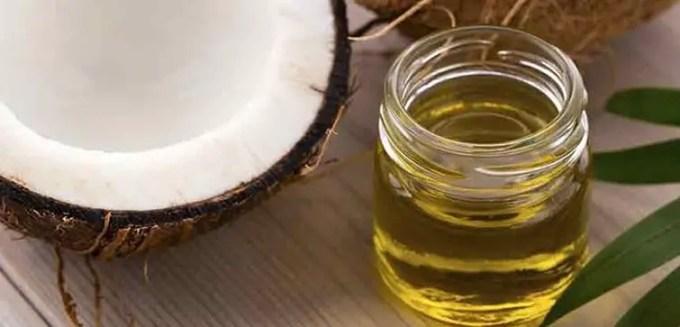 manfaat minyak kelapa untuk rambut
