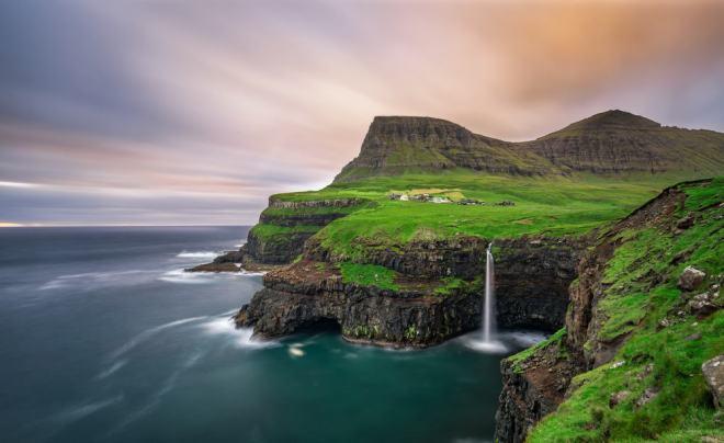 Vagar vandfaldet på Færøerne