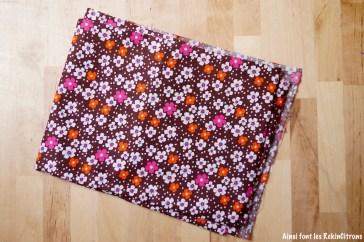 tissu-petit-pan-fleurs-des-iles-marron