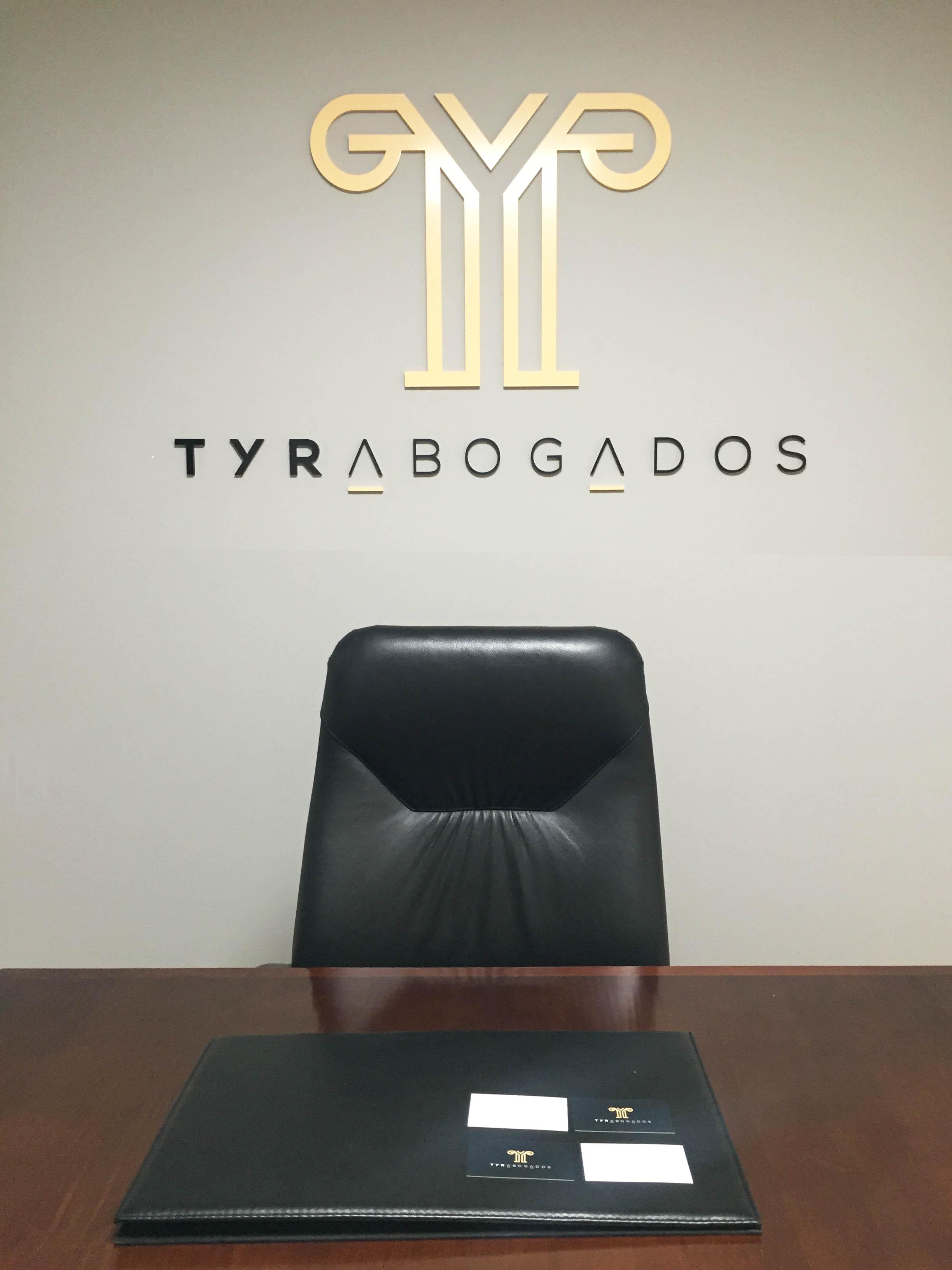 DISEÑO DE INTERIORES 3 TYR ABOGADOS REKLAM PUBLICIDAD