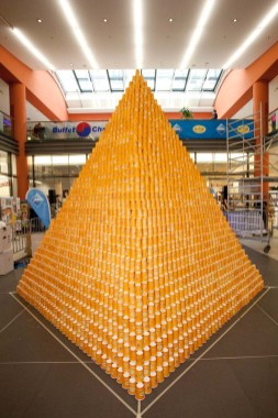 RID-rekord-groesste-papp-kaffeebecher-pyramide0
