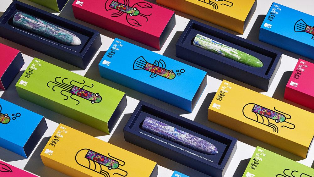ocean dildo bedrukken mtv logo plastic recycled dildos